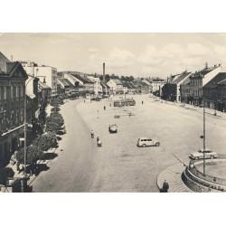 Náměstí kolem roku 1960
