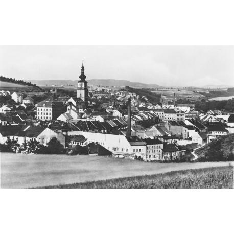 Pohled z Mariánky na náměstí a Kanciborek.
